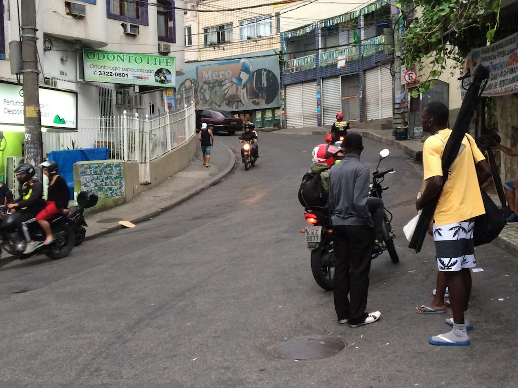 rio_favela_1